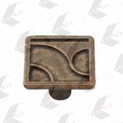 KR15-AE knopka striebro antik 30x30 mm
